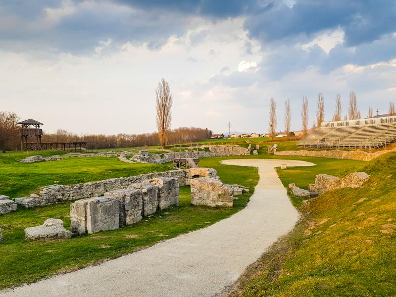 heidentor petronell carnuntum amfiteater