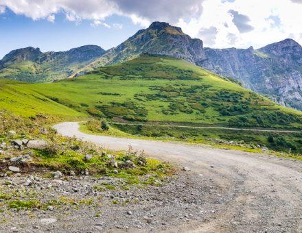 Gruzinsko Zekari Pass