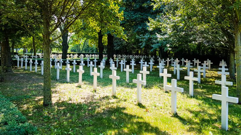 Vojensky cintorin v Petrzalke