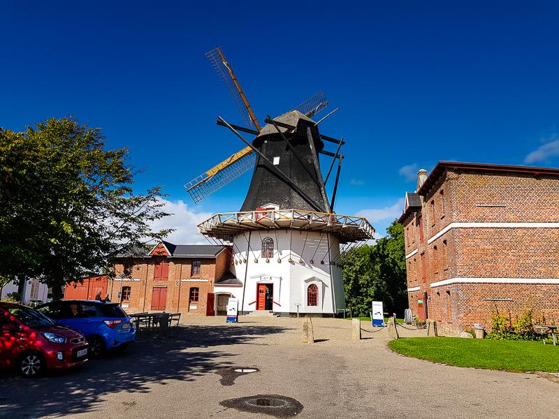 Veterny mlyn v dedinke Hojer v Dansku