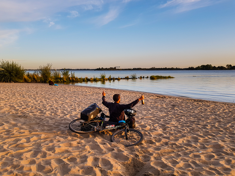 Pieskova plaz pri Labe pri Hamburgu