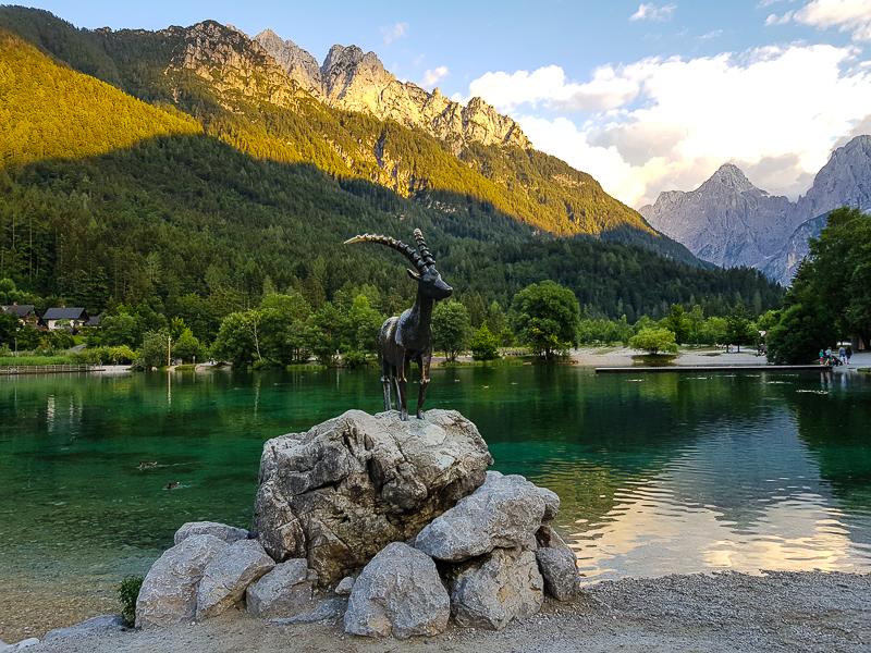 Kranjska Gora socha kozla