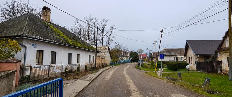 dedina na juhu Slovenska pri Moldave nad Bodvou