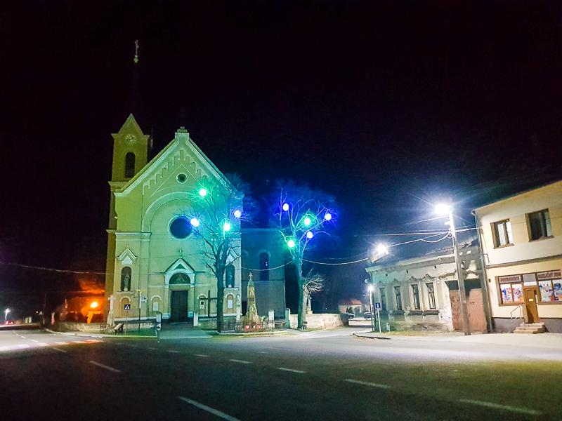 kostol v dedine Zahorska Ves