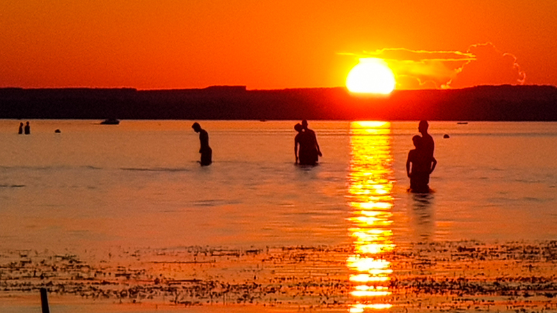 Zapad slnka nad Balatonom