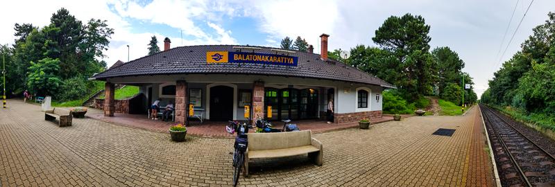 zeleznicna stanica v Balatonakarattya