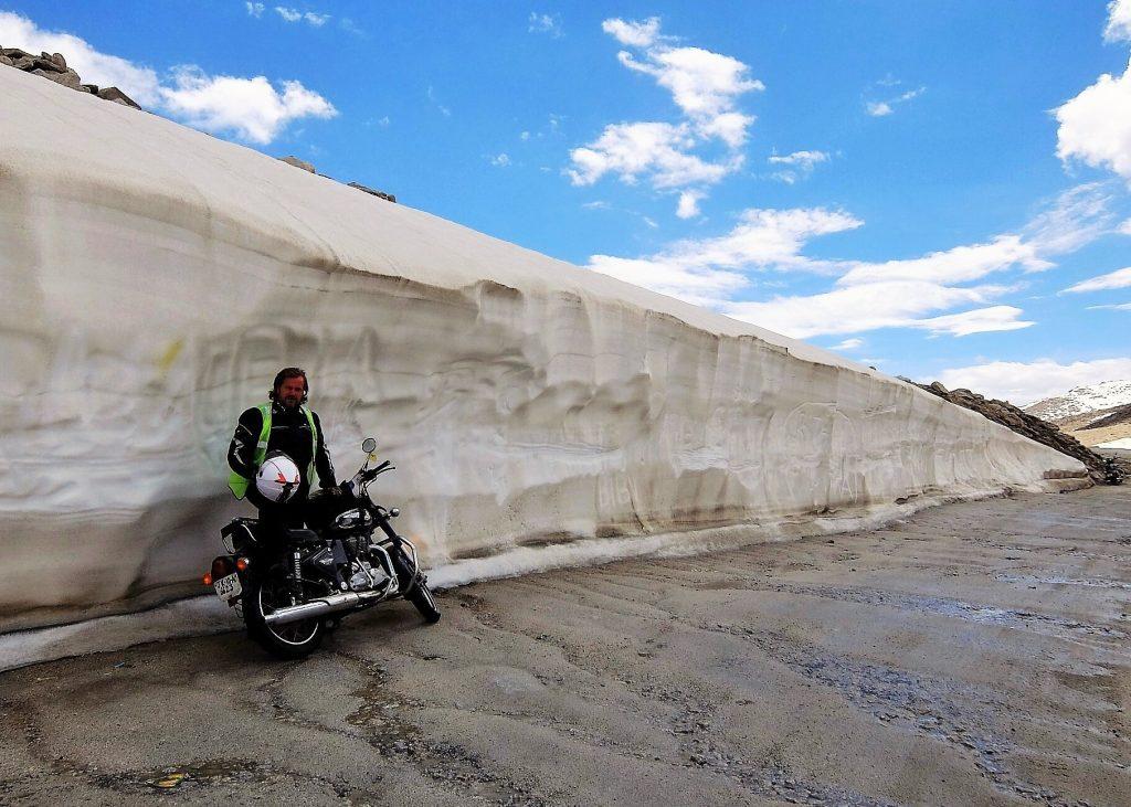 Jozef Terem, cesta na Khardung La, cca vo vyske 5300 metrov, India