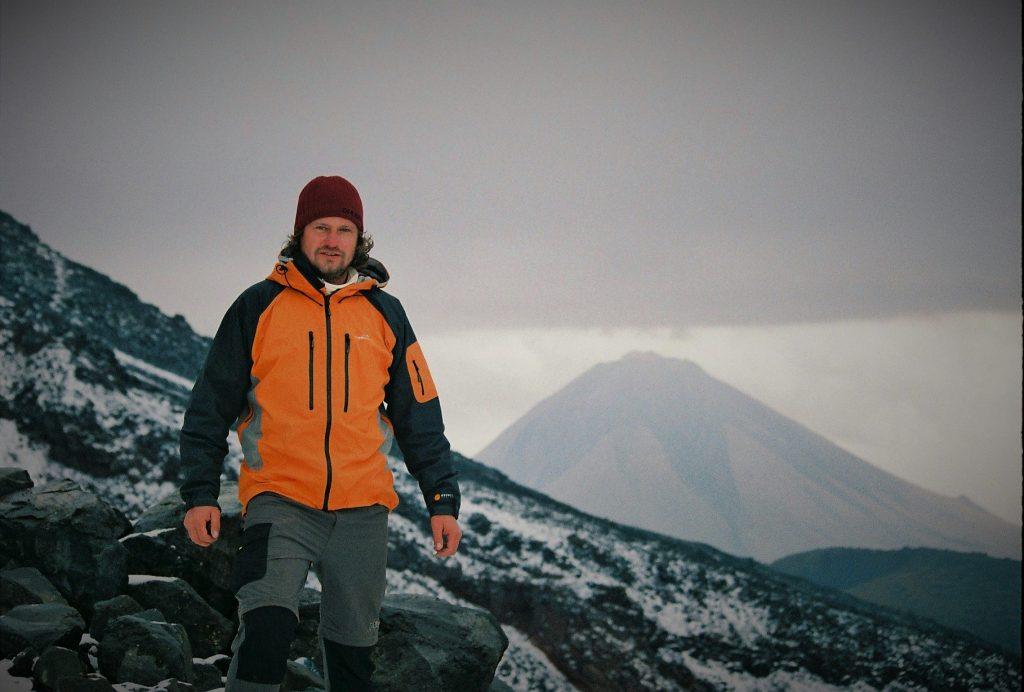Jozef Terem, pocas vystpu na bajnu horu Ararat, v pozadí Mal8 Ararat, Turecko