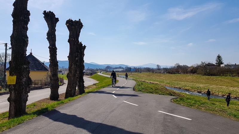 Vazska cyklomagistrala v Nemsovej