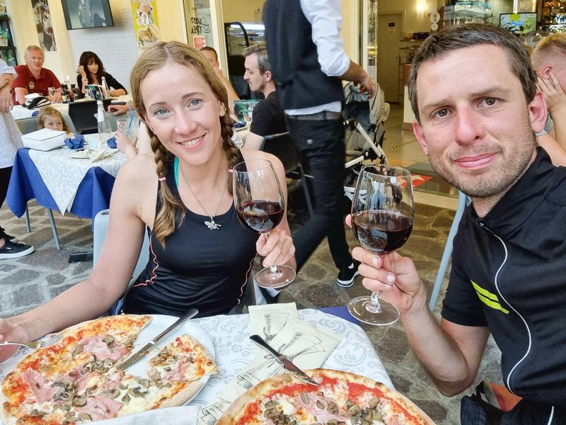 Pizza v meste Limone pri Lago di Garda